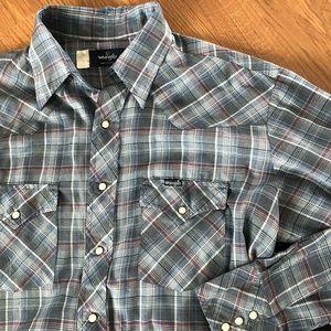 Vintage Lightweight WRANGLER Pearl Snap Shirt